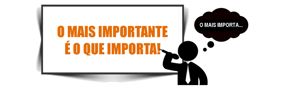 Silhueta de um homem com microfone; ele está lendo o texto que aparece no slide; no slide está escrito o mais importante é o que importa