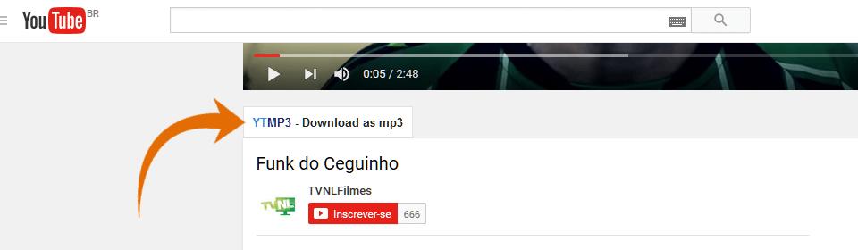 Botão do complemento no site do Youtube logo abaixo do vídeo; há uma seta na cor laranja apontando para este botão